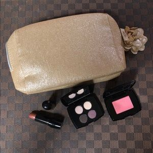 Lancôme makeup set brand new. Makeup bag included